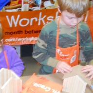 Fun things to do with kids in CT reviewed by a mom and kids, Review of places to go with kids in CT, Home Depot Kid's Workshop Review